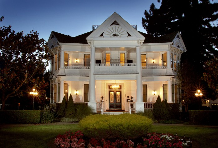 victorian pin the a breakfast bed with queen california houses and anne house napa in eastlake hennessey stick