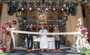 Mario Batali - Ribbon Cutting