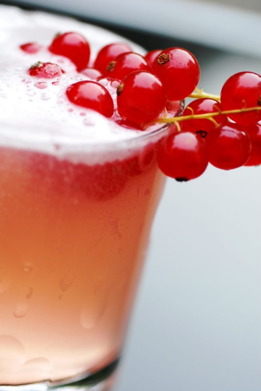 rhubarb liqueur cocktail recipe