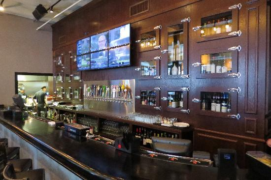 Gino's East River North first floor bar