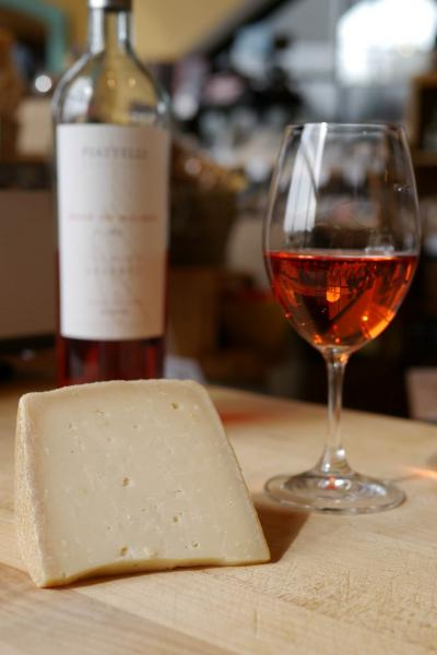 Piattelli-Rose-Tomme D'Aydius wine and cheese pairing